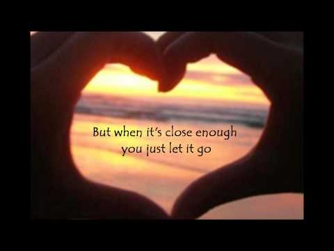 Breaking Your Own Heart Lyrics - Kelly Clarkson
