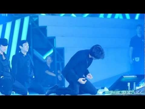 121027 SHINEE WORLD CONCERT 2 in HK MINHO SOLO Turn UP The Music