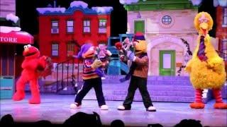 Sesame Street Saves Christmas - Universal Studios Singapore