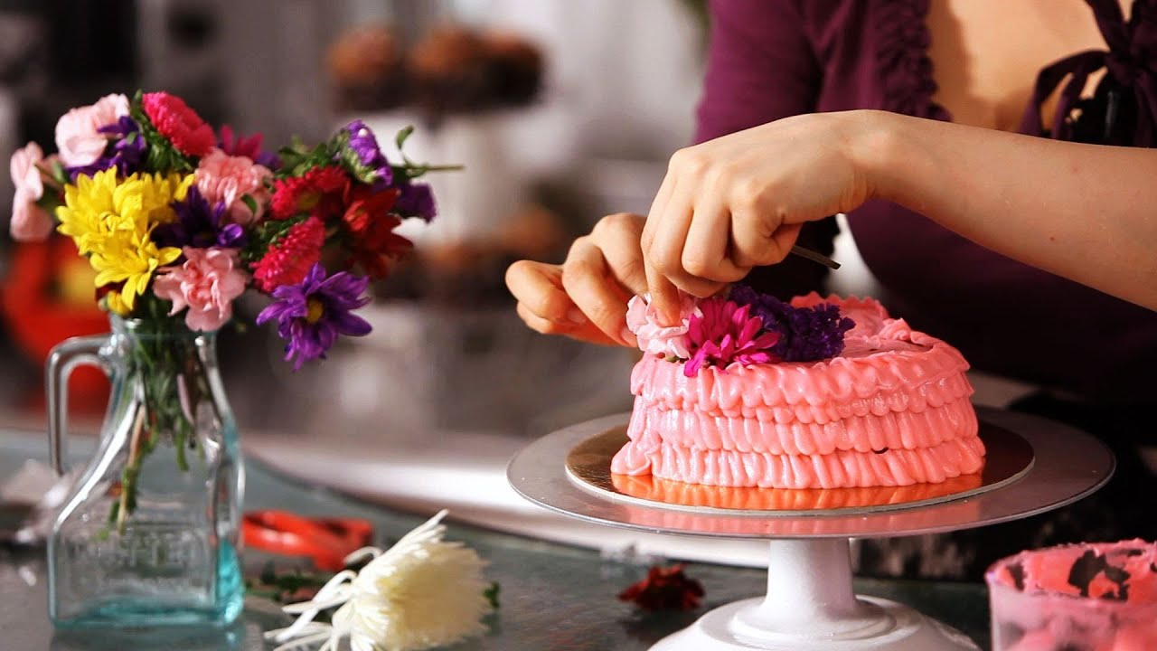 How to decorate cake with fresh flowers cake decorating - How to make decorative cakes ...