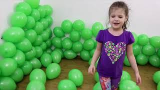 Играем Лопаем воздушные шарики