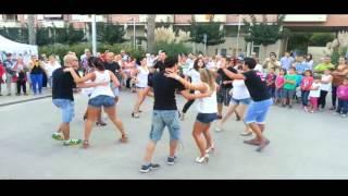 Vídeo rueda de salsa casino con alumnos en Vallirana