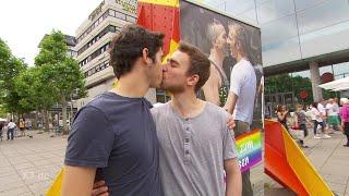 Schlegl in Aktion: Homo-Lobby e.V.