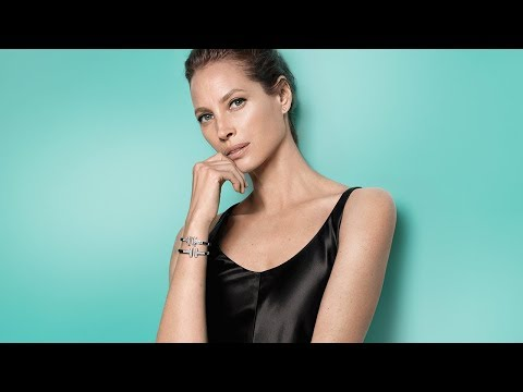 Tiffany & Co. - Legendary Style: Christy Turlington Burns in Tiffany T