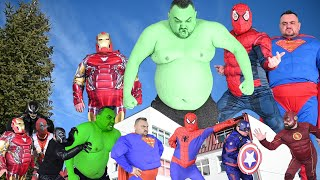 Giant Superheroes VS Superheroes