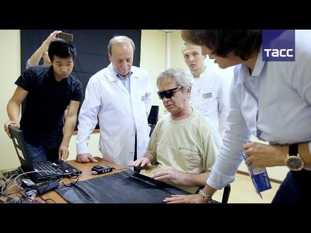 Первый в России пациент с бионическим глазом успешно восстанавливается после операции
