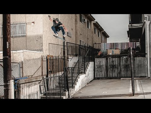 Video DARKSTAR Planche skate AWAKE R7 BACHINSKY 8.125