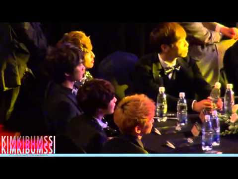 121119 SHINee during AILEE's PERFORMANCE!XD