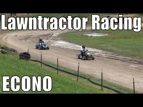 Econo Class Lawntractor Racing At Western Ontario Outlaws July 21 2019