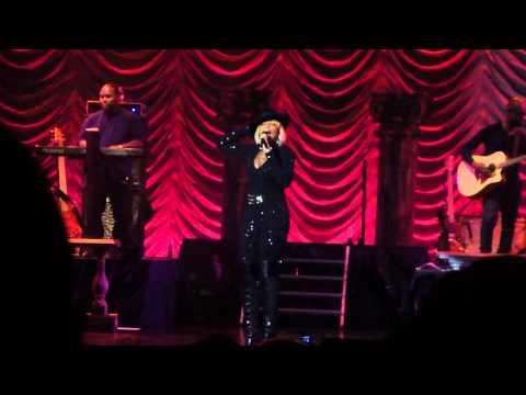 Mary J Blige - LIVE in Atlantic City - Don't Go