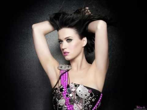 Baixar Katy Perry (ft.Juicy J)- Dark Horse (bass boosted+lyrics in description)