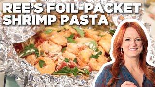 Ree Drummond Makes Foil-Packet Shrimp Pasta | Food Network