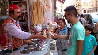 Trucuri de a vinde înghețată cu zîmbet. Istanbul