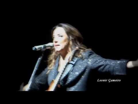 Baixar Ana Carolina conversa com o público e canta