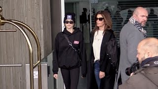 EXCLUSIVE : Cindy Crawford and daughter Kaia Gerber arriving at Paris airport