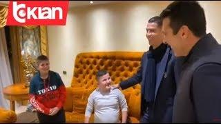 """Dy fëmijët """"fluturuan"""" nga dritarja gjatë tërmetit, takohen me Cristiano Ronaldo dhe Buffon"""
