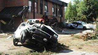 Накипело: Гражданин США крушит свой город на бульдозере