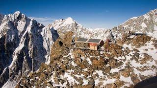 Restauro della Capanna Sella ai Rochers del Monte Bianco