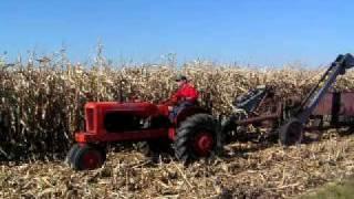 My New Idea #7 corn picker and Allis Chalmers WD