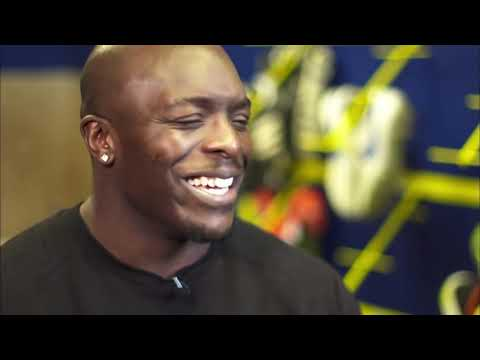 Akinfenwa hears what Spurs players have to say about him | FATV Focus