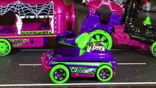 Cracking Open DLM - Halloween Car Nival Steamer