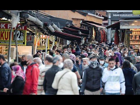 Eminönü'nde bayram alışverişi yoğunluğu; kurallara uyulmadı