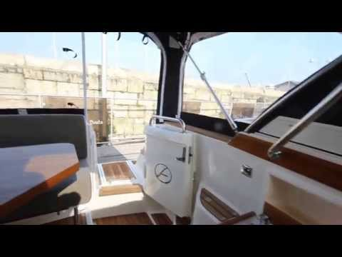 Aquador 27 HT by MGM Boats