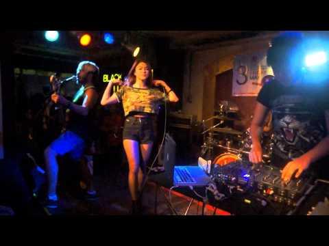 Blur Blur - Boom Boom Cash live@U-Bar Ubon
