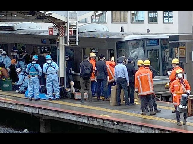 Man killed after leaping from platform into oncoming practice in Kobe