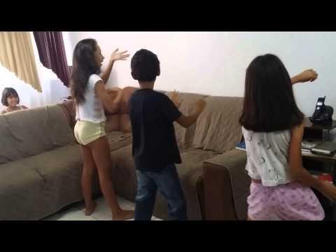 Baixar Crianças dançando Lepo Lepo