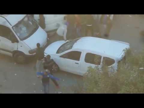 نهب السيارات وتخريبها من طرف مشجعي الفرق الرياضية