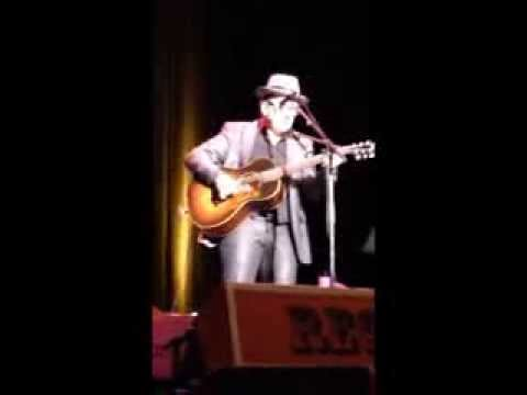 Elvis Costello Solo New Amsterdam /You've Got to Hide Your Love Away