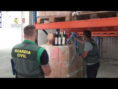 La Guardia Civil recupera en Zaragoza y Navarra 3.160 botellas de vino de una red de estafa