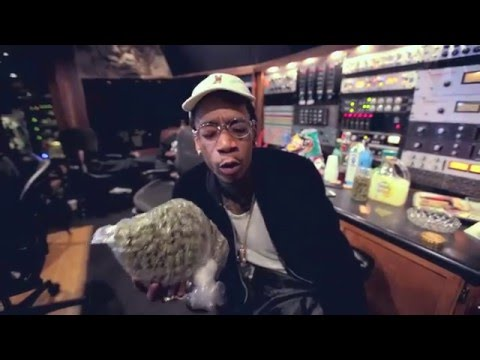 Wiz Finds A Big Bag Of Weed In The Studio