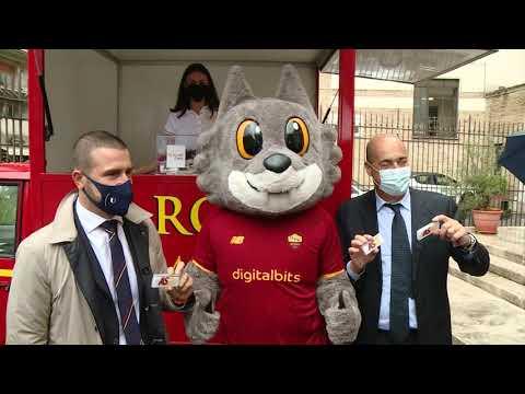 VIDEO - L'hub vaccinale della Roma a Testaccio. Zingaretti: