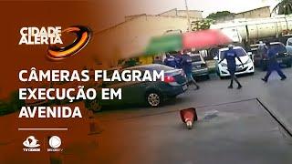 Câmeras flagram execução em avenida