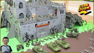 🏡 PLAY at HOME Castle Defense with Green Plastic Army Men VS Exosaur Gray Army and Hunters