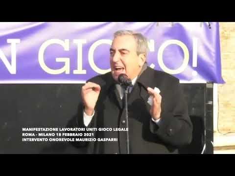 Il senatore Maurizio Gasparri alla manifestazione del gioco lecito