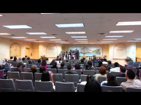 JW Testigos de Jehova niños cantando Naples, FL