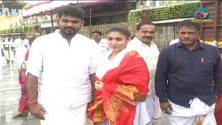 Nayanthara And Vignesh Shivan Visits Tirumala Tirupati..