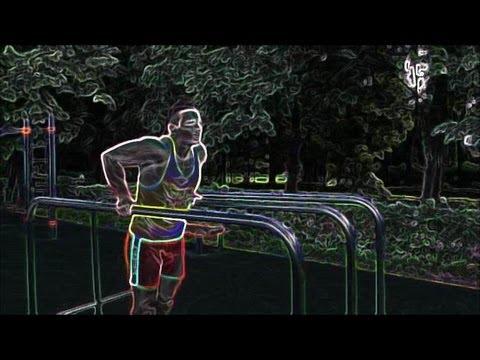 Отжимания на брусьях. Правильная техника выполнения упражнения. Обучающее видео.