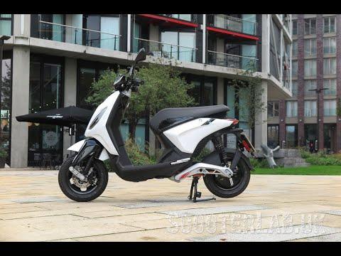 SLUK | First ride Piaggio 1 Active electric scooter