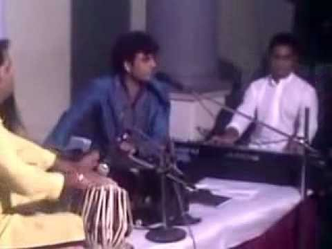 Ghazal Singer Rajesh performing in kandivali west  mumbai