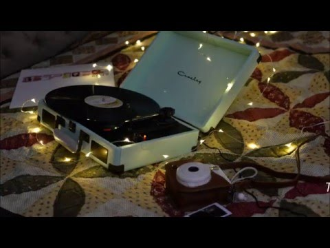 Unboxing of Crosley Vinyl Record Player