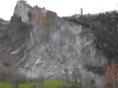 La Rocca di San Leo a rischio crollo