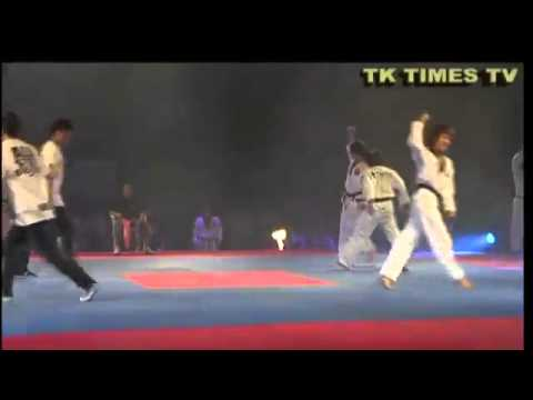 BreakDance Vs Taekwondo