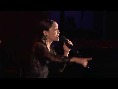 Nunca Es Suficiente (Cumbia) (Live from Hollywood Bowl) - Natalia Lafourcade