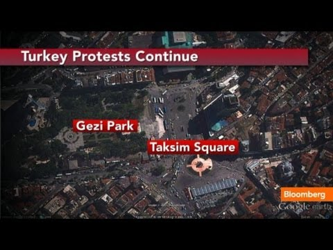 Turkey Riots, Clashes Worsen In Taksim Square: On The Scene - Smashpipe News Video