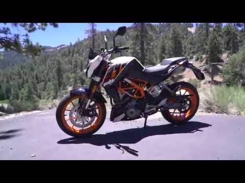 2016 Best Lightweight Streetbike - KTM 390 Duke