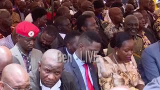 Bobi Wine yeetabye mu kuziika Bishop Cyprian Bamwoze mu kitiibwa ku lutikko e Bugembe-Jinja